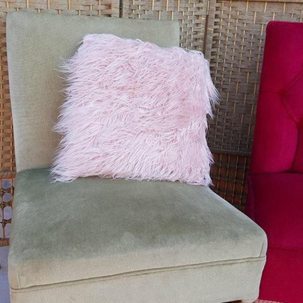 Lounge area accessories for your Santorini wedding