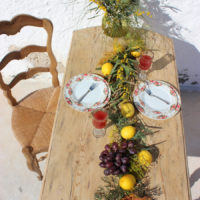 Provincial style with organic, rustic farmhouse table