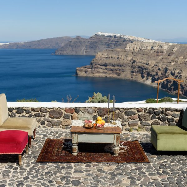 Lounge area accessories for your Santorini wedding