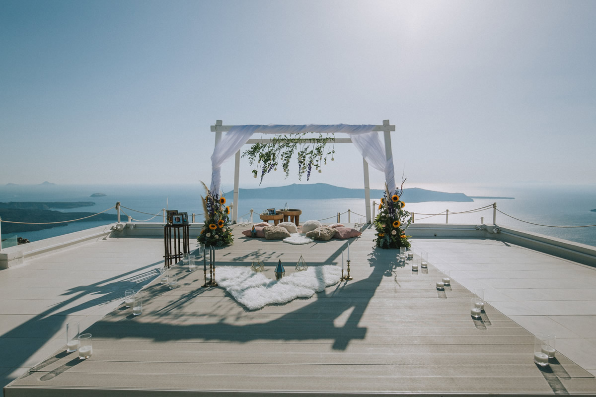 Say I do with Weddings & Whimsy, Santorini