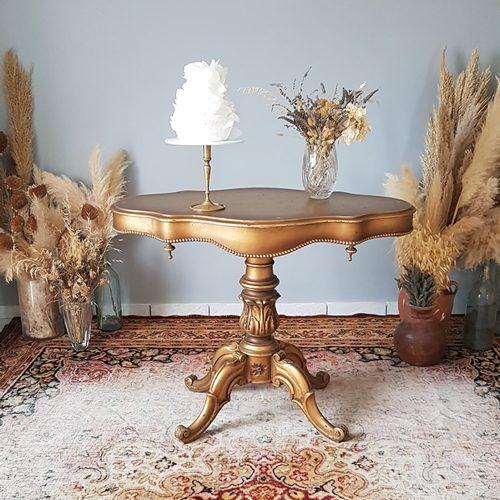 wedding cake, display, pampas, decor accessories, event props, elopement, mircrowedding
