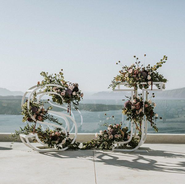 photo booths, bridal portrait backdrops, wedding accessories, props, decoration, bridal inspiration, destination wedding planning, Santoirini